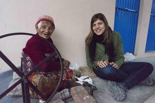 Susan_Easton_with_Tibetan_Artisan