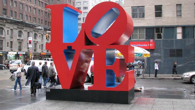 LOVE_sculpture_NY-1