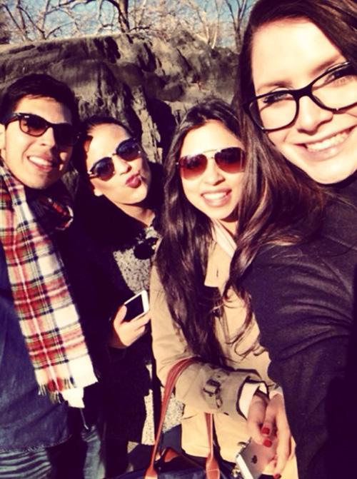 4 girls outside