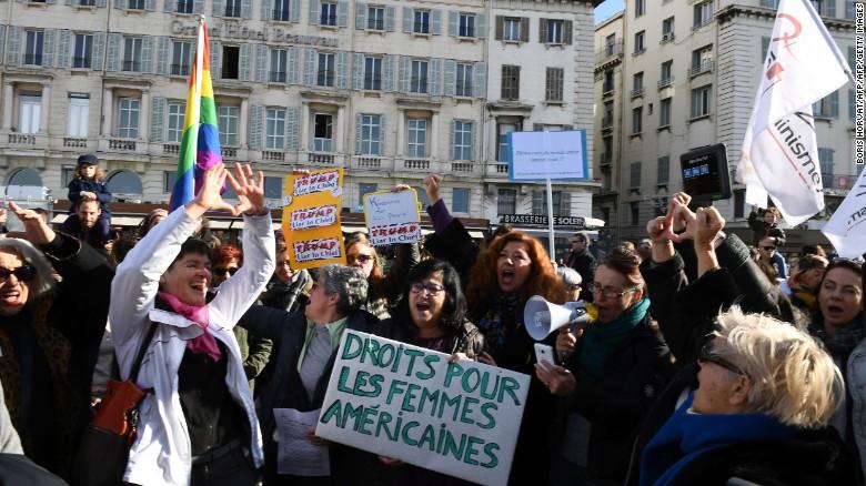 170121135655-womens-march-marseille-exlarge-169.jpg