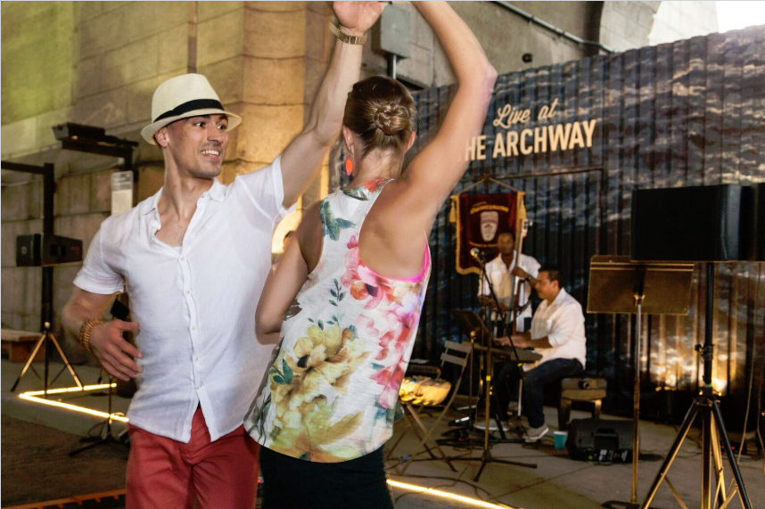 Archway_Couple_Dancing.png