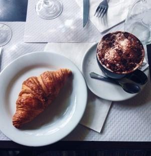 Croissant_et_Chocolat.jpg