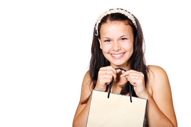 Girl_Shopping_bag.jpg