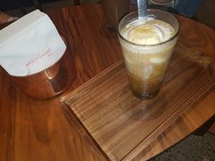 Kianna Starbucks 1