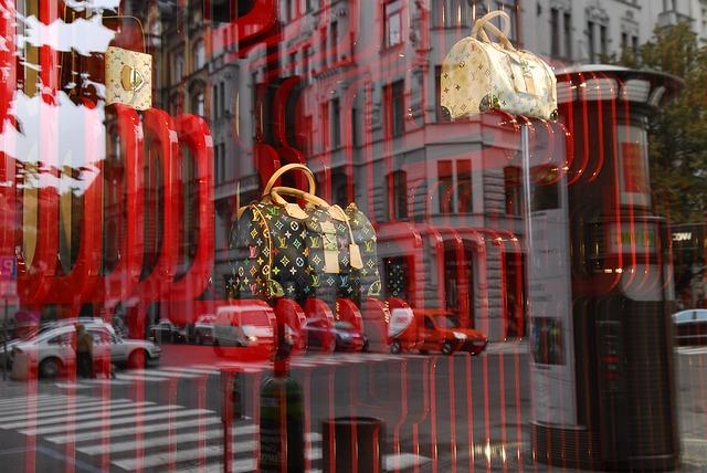 LV_bags_window.jpg