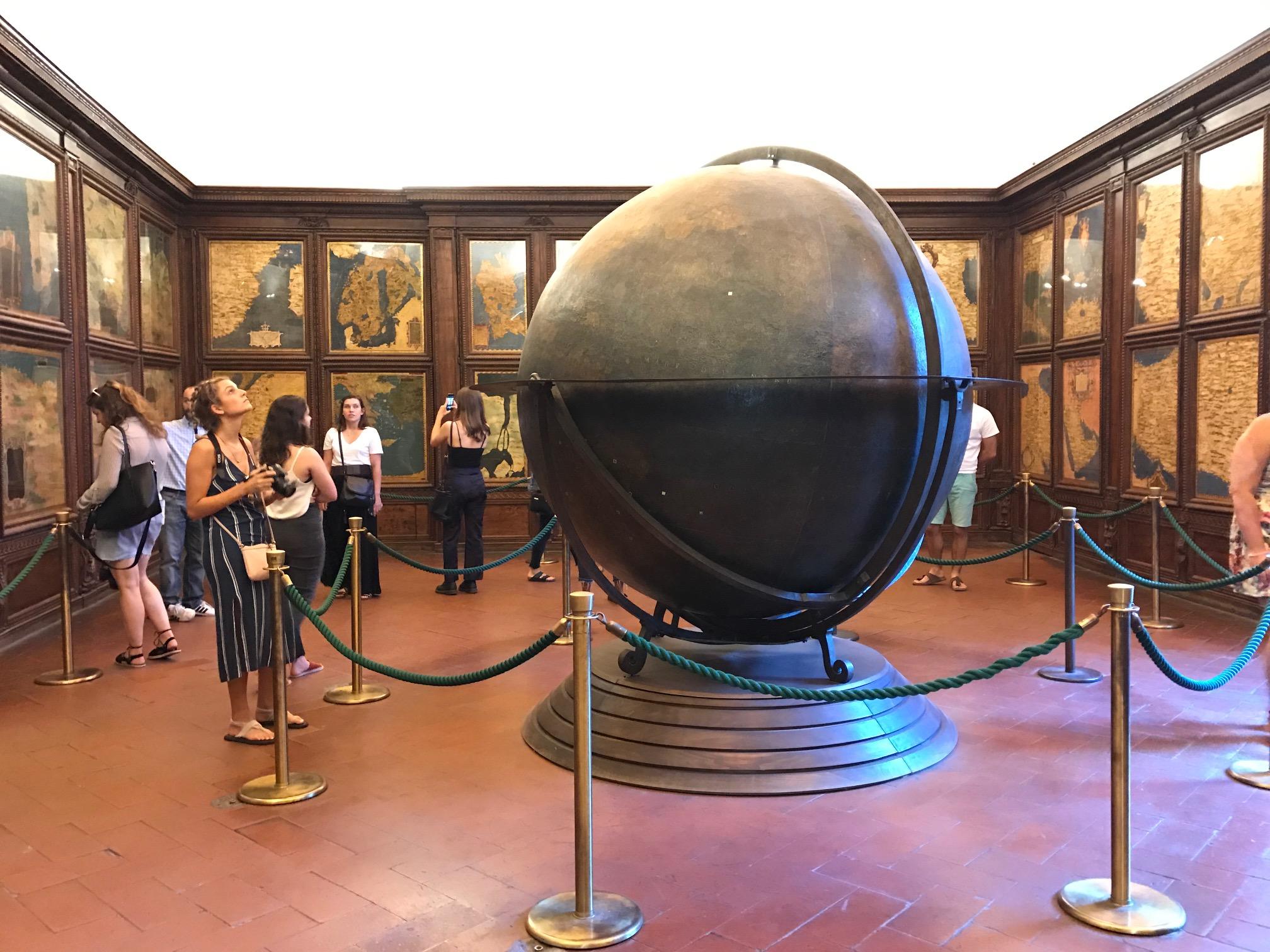 Palazzo Vecchio Globe.jpg