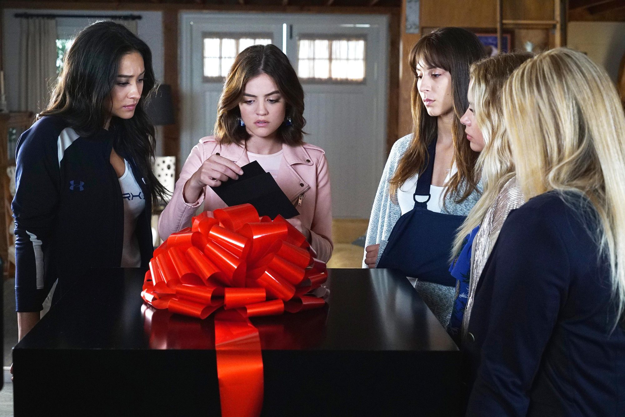 Pretty Little Liars Final Season.jpg