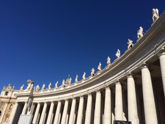 St_Peters_Exterior_Columns