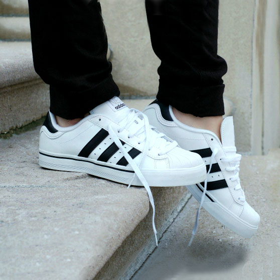 sneakers_3_square